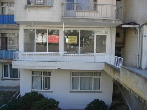Sinopta Yol Üzerinde Satılık Dükkan