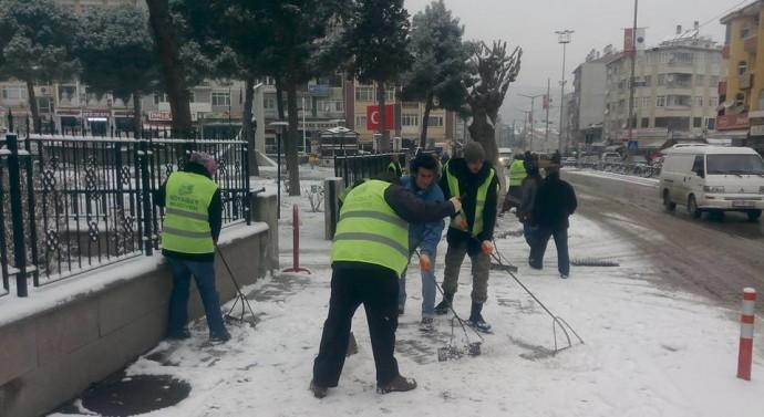 Belediye Kar Temizleme Çalışması Yaptı