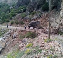 Çukurhan Köyünde Heyelan Yol Trafiğe Kapalı